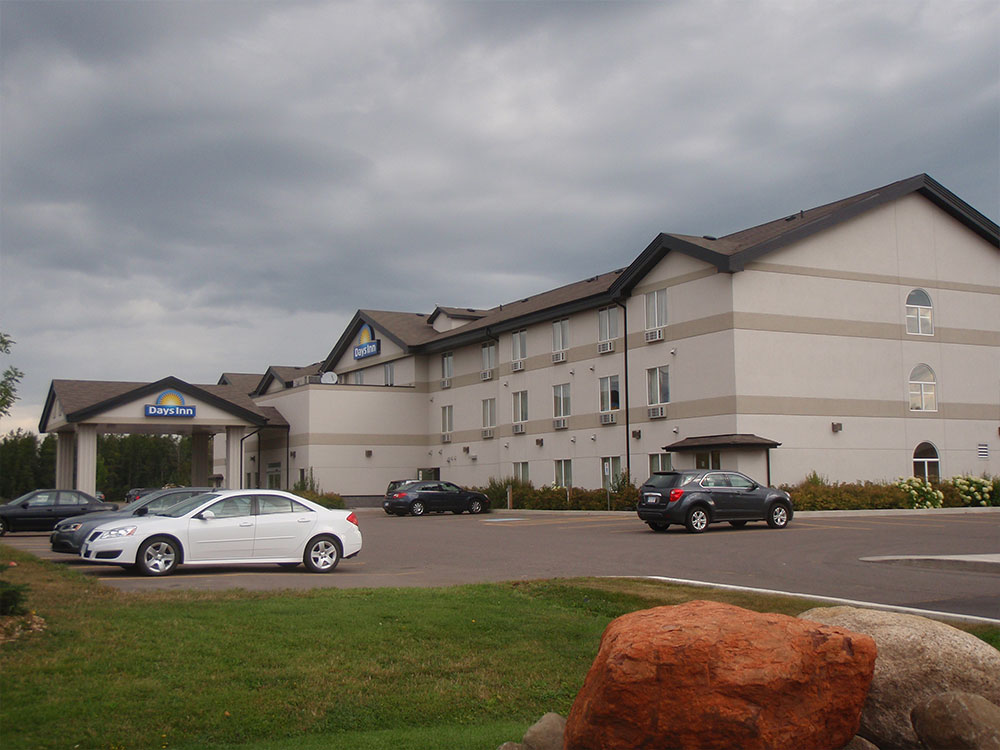 Days Inn, Golf Links Rd