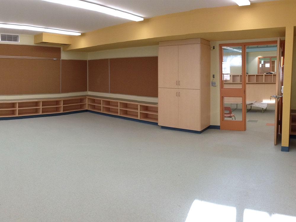http://auroraconstructionltd.ca/wp-content/uploads/2015/04/st-bernards-classroom.jpg